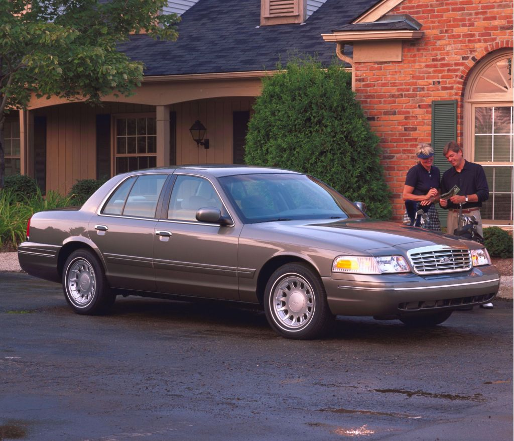 2001 ford crown victoria review ratings specs prices and photos the car connection