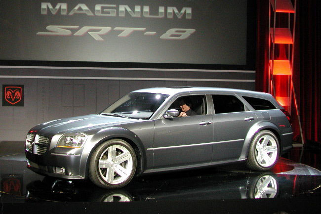 2003 Dodge Magnum SRT-8 concept, Los Angeles Auto Show