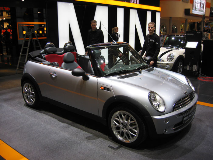 image 2004 mini cooper convertible geneva motor show. Black Bedroom Furniture Sets. Home Design Ideas