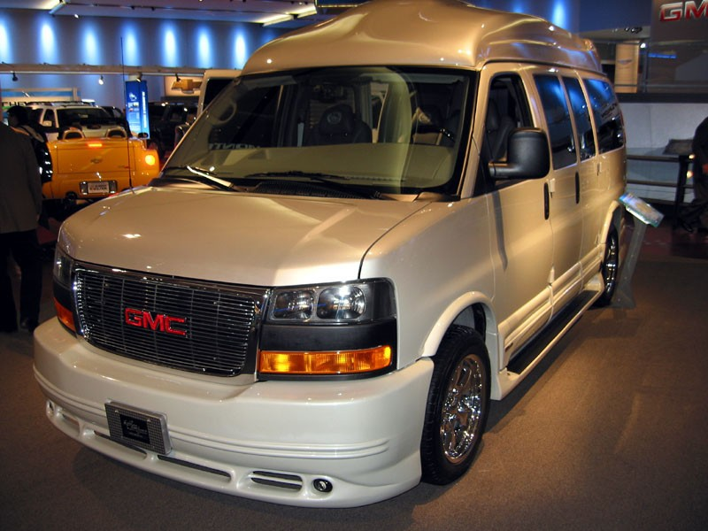 Top 5 Reasons Conversion Vans Are The Perfect Car For Large Families