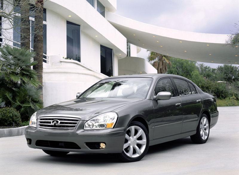 2005 Infiniti Q45 - front