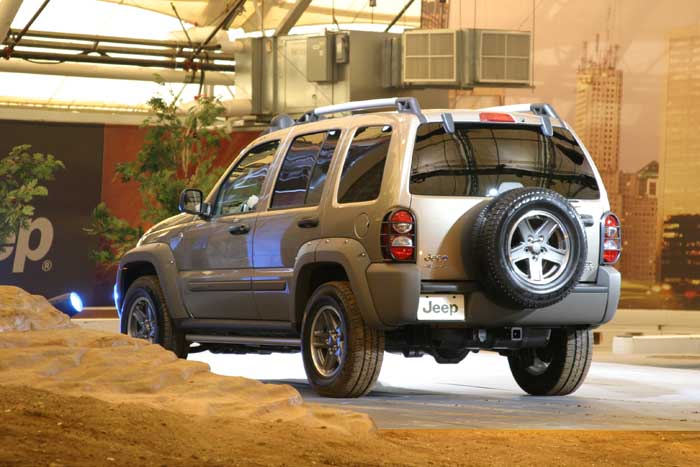 Jeep Renegade For Sale >> Image: 2005 Jeep Liberty Renegade, size: 700 x 467, type: gif, posted on: December 31, 1969, 4 ...