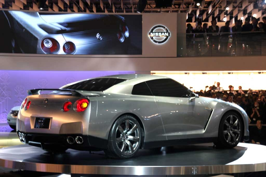 Toyota Diesel Pickup >> 2005 Nissan GT-R Review, Ratings, Specs, Prices, and ...