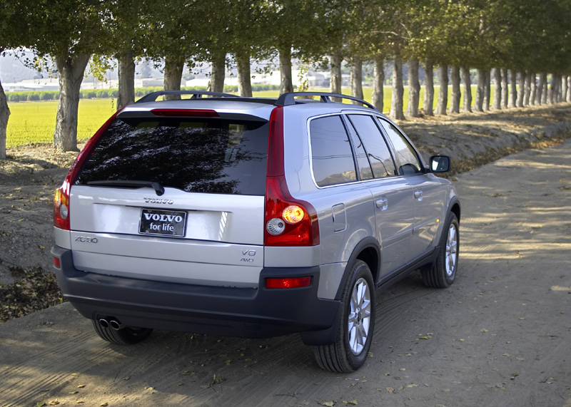 Image: 2005 Volvo XC90 V8 - Rear shot, size: 800 x 571, type: gif, posted on: December 31, 1969 ...