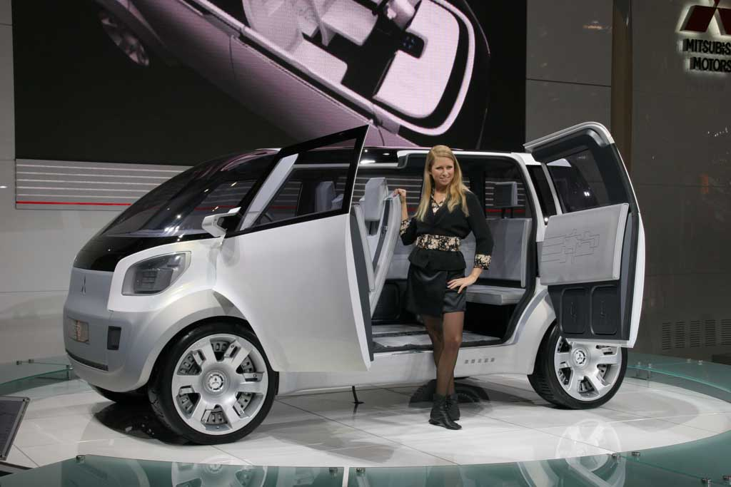 2006 Mitsubishi Concept EZ-MIEV concept, Geneva Motor Show