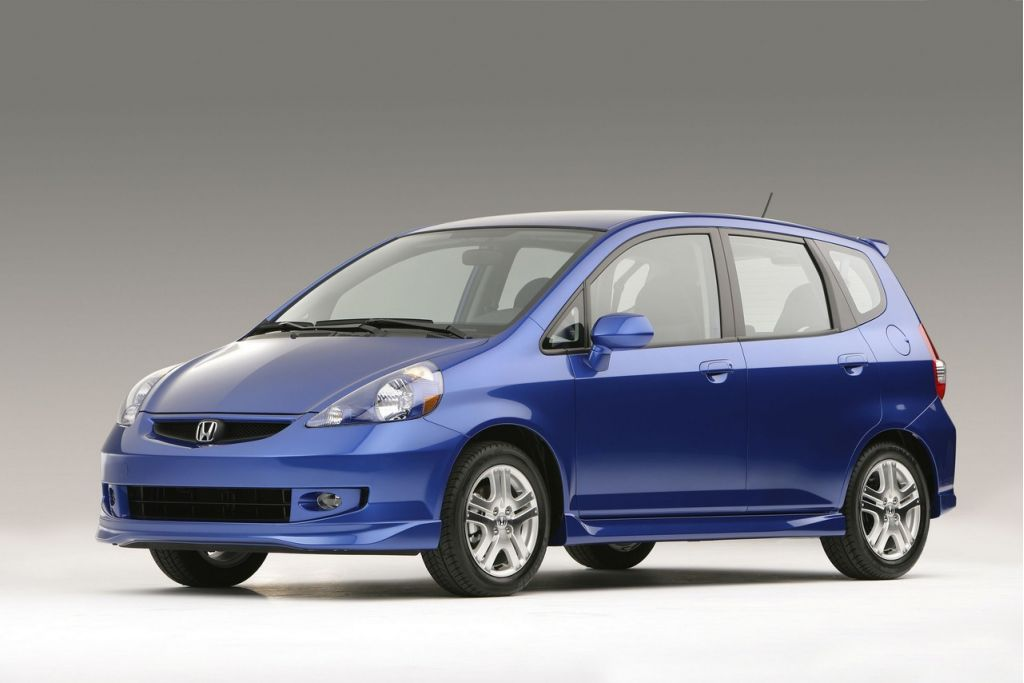 honda fit fire recall 646 000 cars globally 140 000 in u s. Black Bedroom Furniture Sets. Home Design Ideas