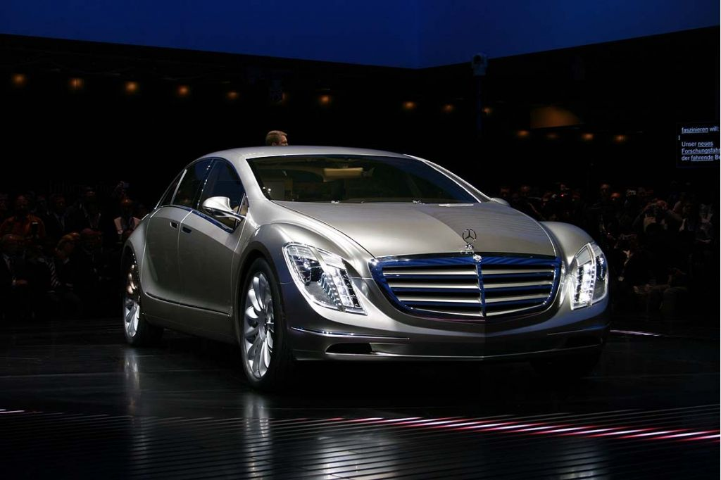 Image 2007 mercedes benz f700 concept size 1024 x 682 for Mercedes benz 700 series price
