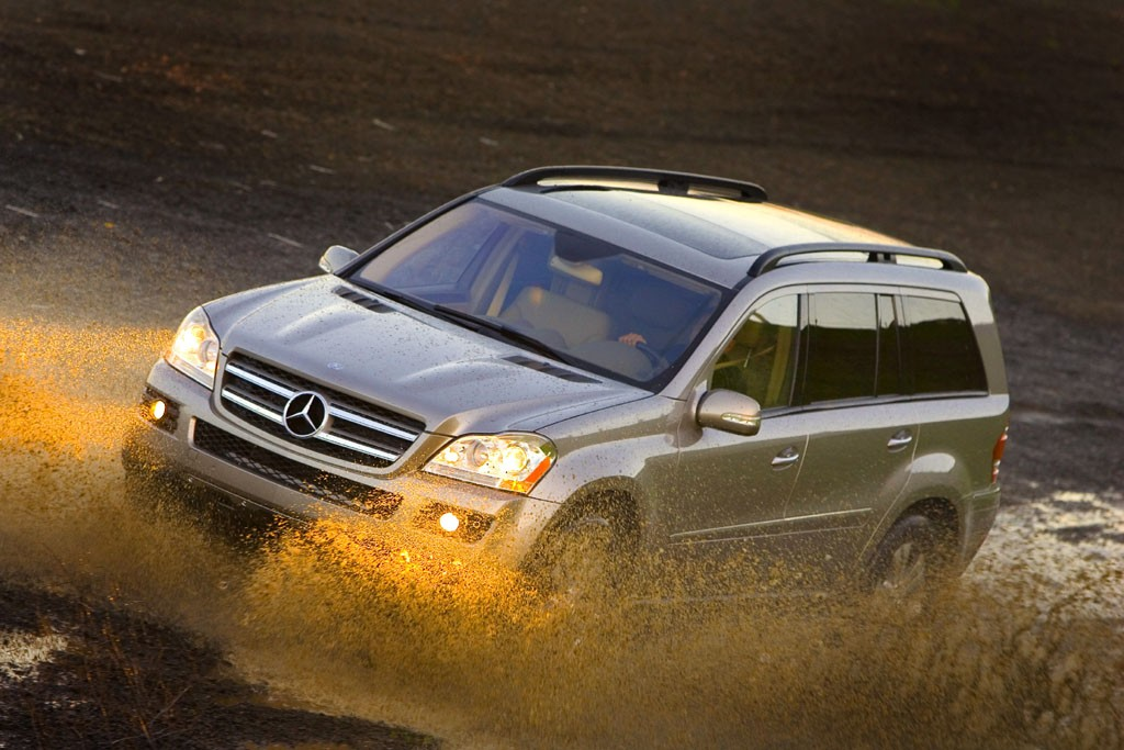 Mercedes to expand gl r and m class alabama factory for Mercedes benz huntsville alabama