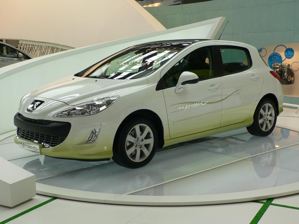 Mitsubishi And Peugeot Citroen To Continue Collaboration