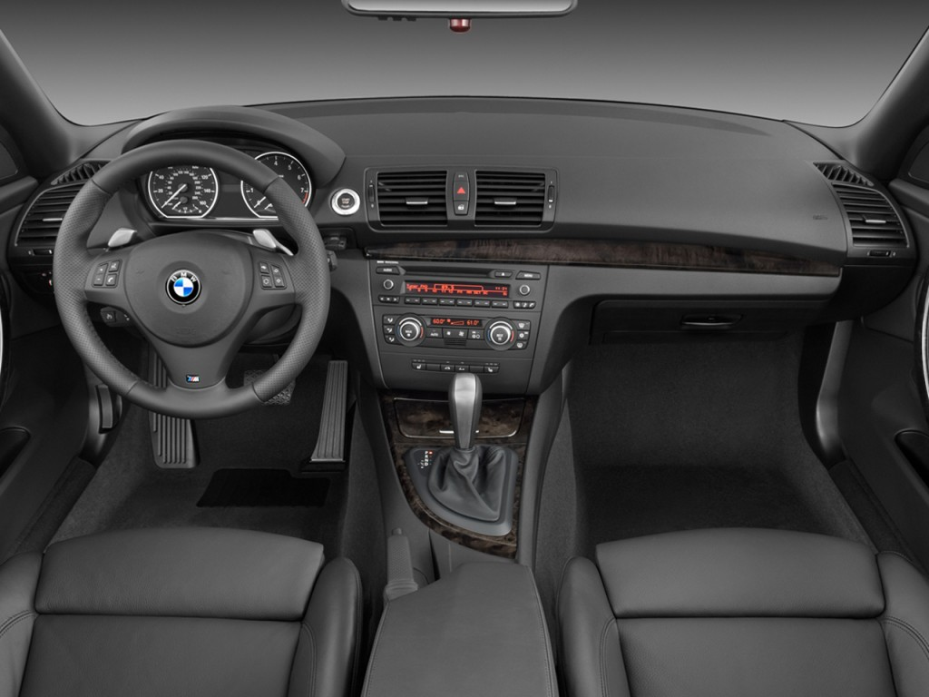 Image: 2008 BMW 1-Series 2-door Cabriolet 135i Dashboard ...