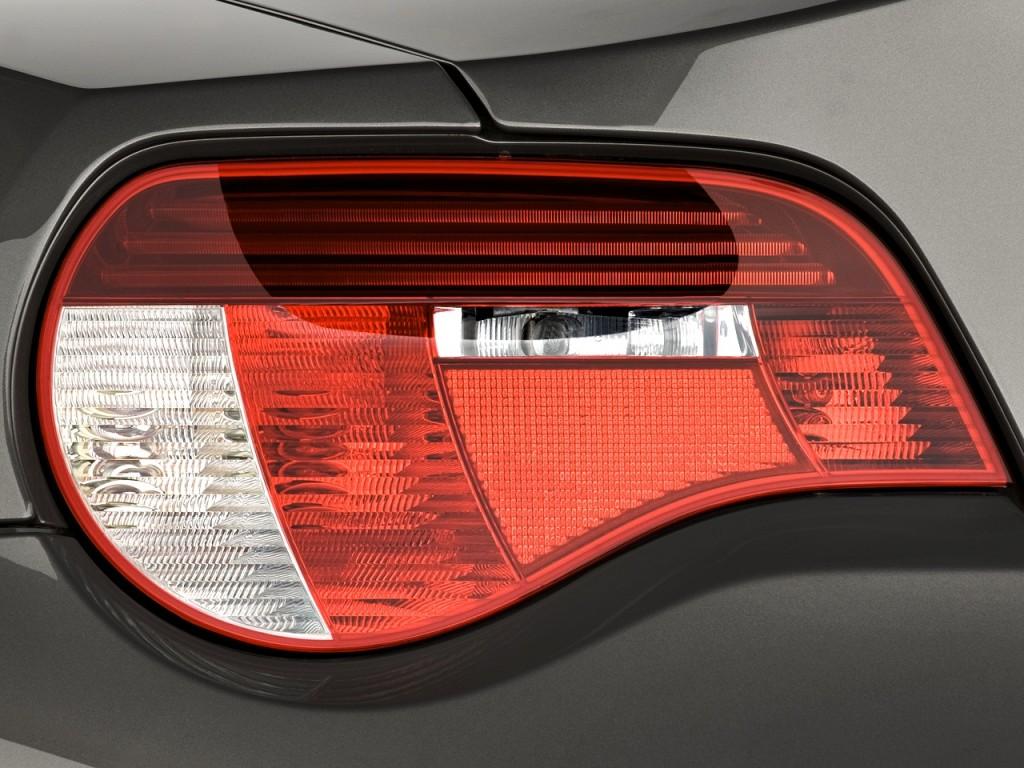 Image 2008 Bmw Z4 Series 2 Door Roadster 3 0si Tail Light
