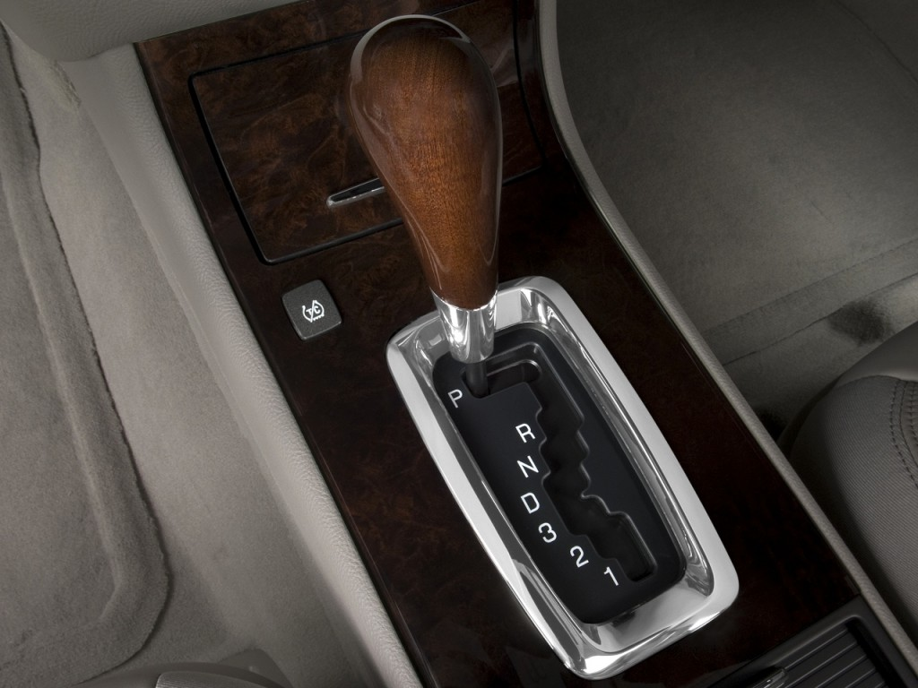 Image: 2008 Cadillac DTS 4-door Sedan w/1SA Gear Shift ...