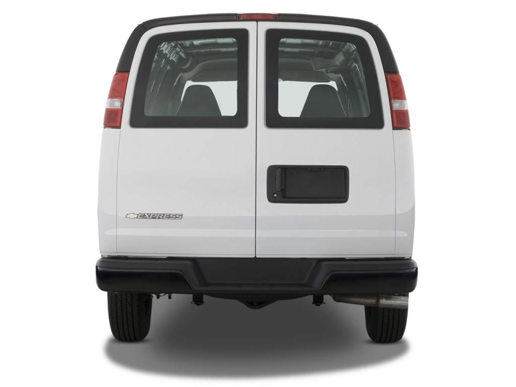 """Image: 2008 Chevrolet Express Cargo Van RWD 2500 135"""" Rear ..."""