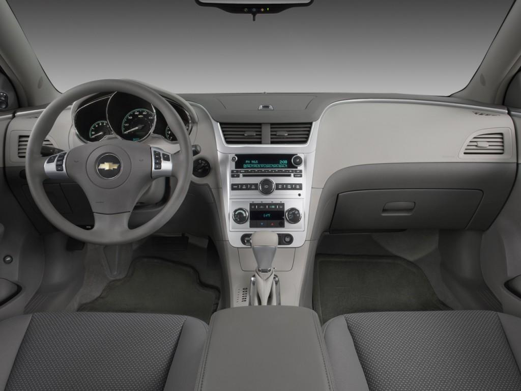 Image: 2008 Chevrolet Malibu 4-door Sedan Hybrid Dashboard ...