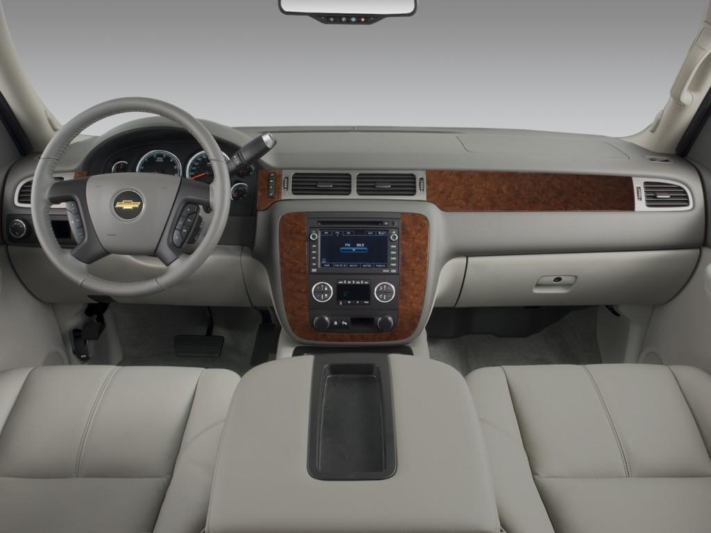 Image: 2008 Chevrolet Tahoe Hybrid 2WD 4-door Dashboard ...
