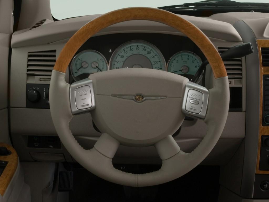 2008 Chrysler Aspen RWD 4 Door Limited Steering Wheel