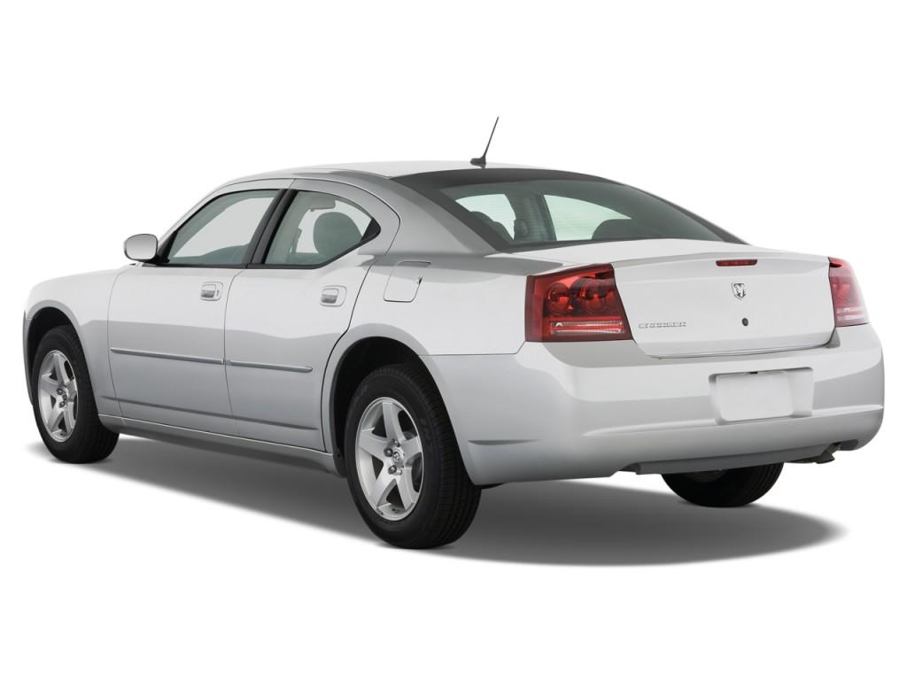 image: 2008 dodge charger 4-door sedan rwd angular rear exterior