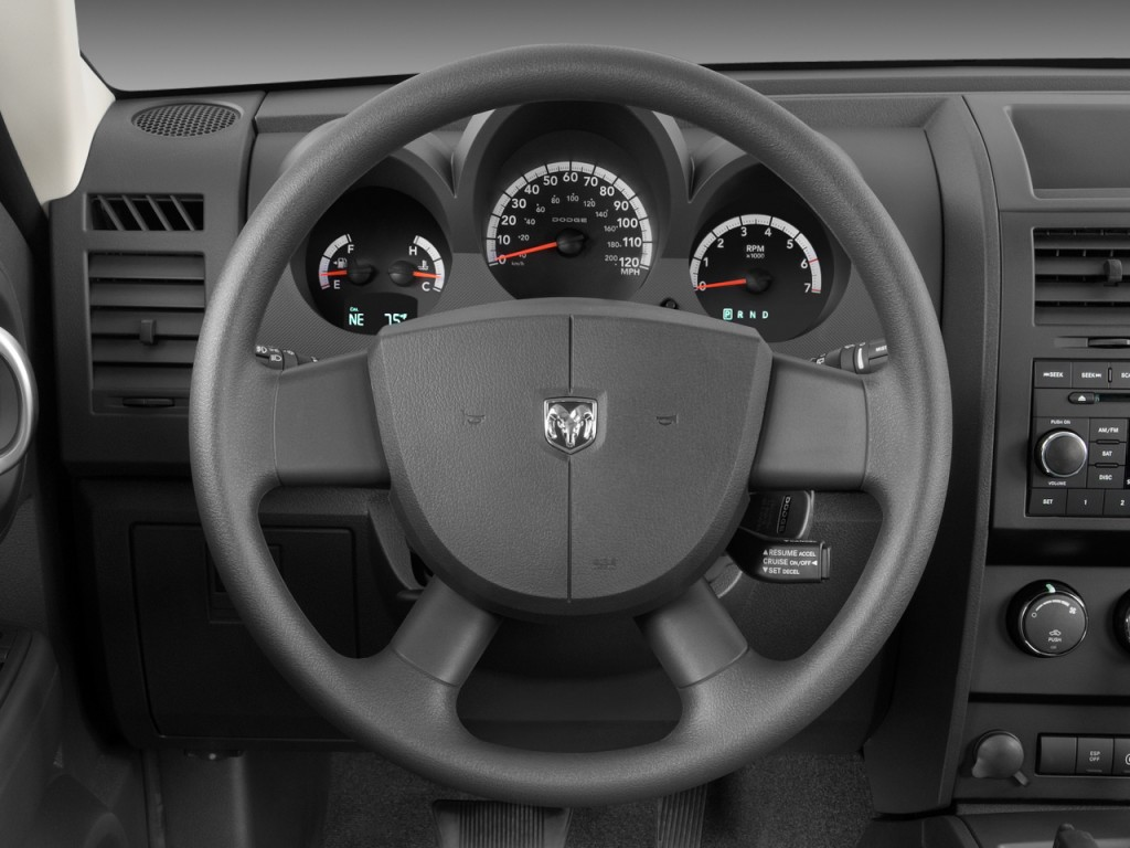 Image: 2008 Dodge Nitro 2WD 4-door SXT Steering Wheel ...