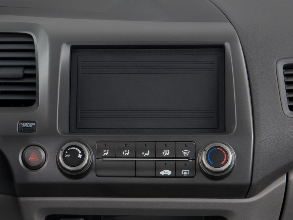 Image: 2008 Honda Civic Sedan 4-door Man DX Audio System ...