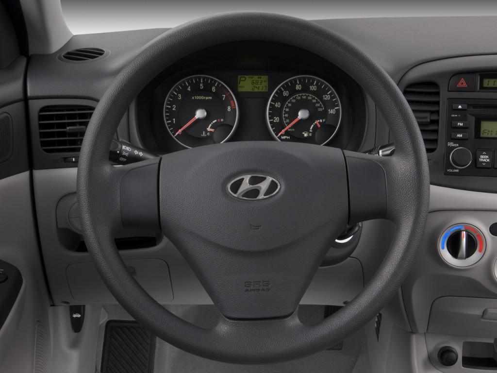 Image 2008 Hyundai Accent 4 Door Sedan Auto Gls Steering