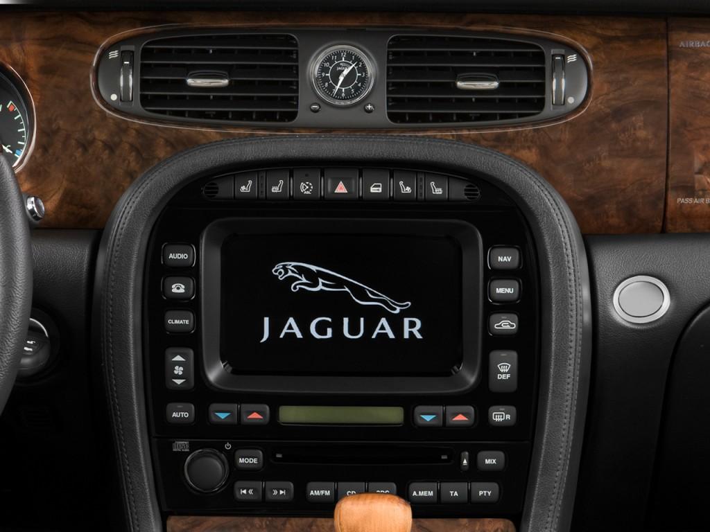 Image 2008 Jaguar XJ 4door Sedan Vanden Plas Instrument Panel