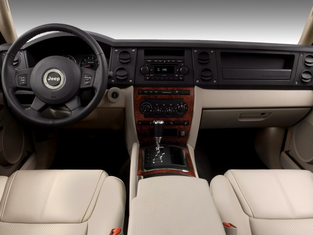 Image: 2008 Jeep Commander RWD 4-door Limited Dashboard ...