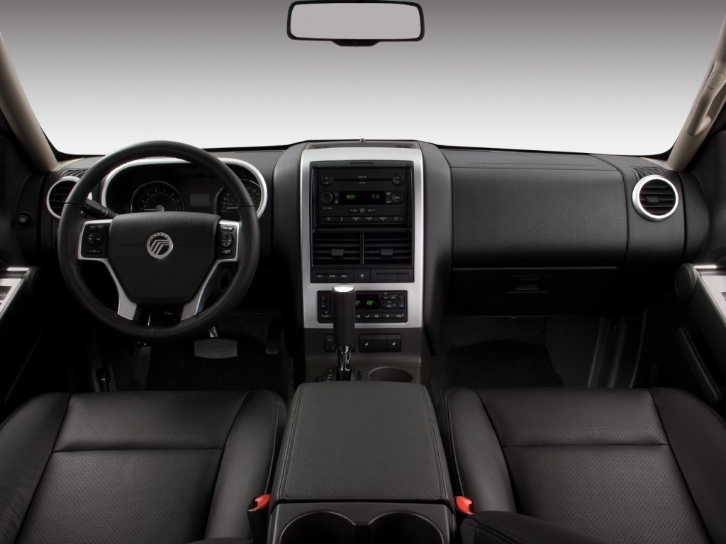 2008 Mercury Mountaineer Rwd 4 Door V8 Premier Dashboard