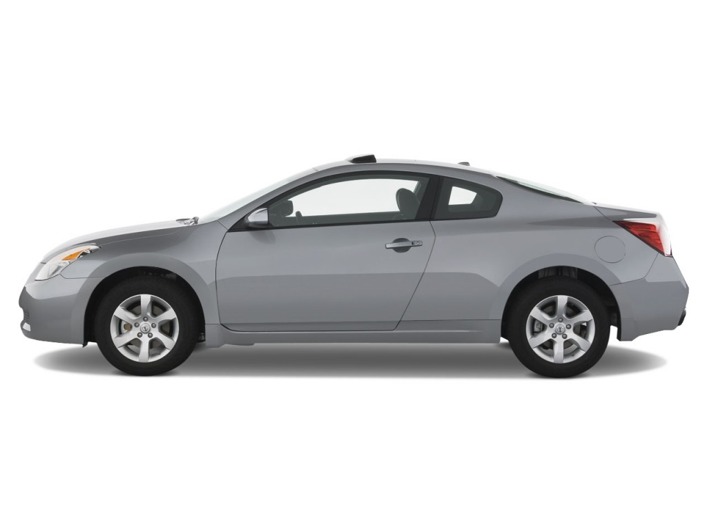 2008 Nissan Altima 2 Door Coupe I4 Man S Side Exterior View
