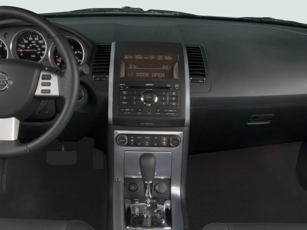 Image: 2008 Nissan Maxima 4-door Sedan SE Instrument Panel ...