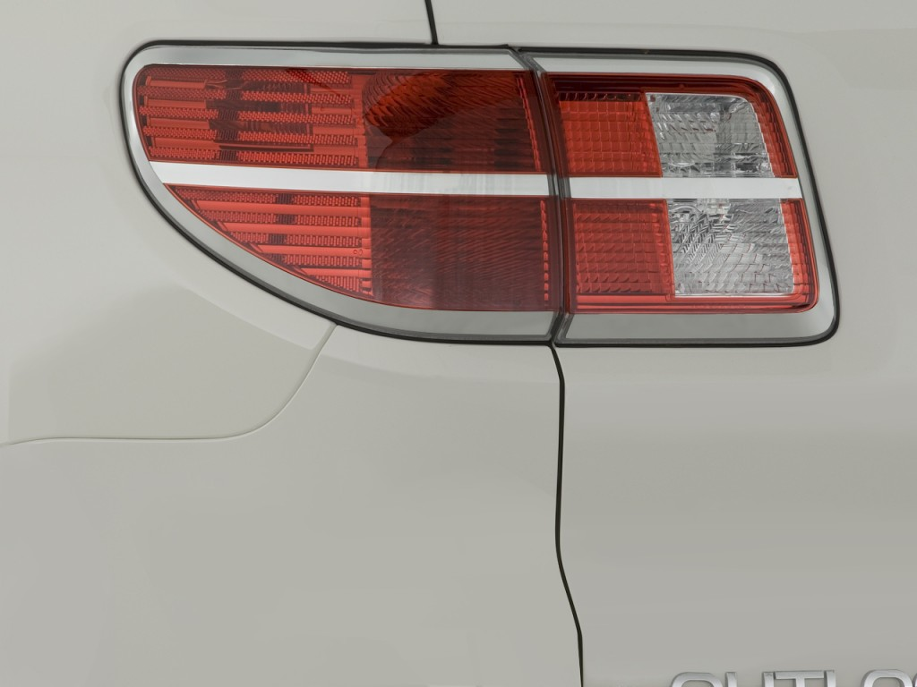 image 2008 saturn outlook fwd 4 door xe tail light size. Black Bedroom Furniture Sets. Home Design Ideas