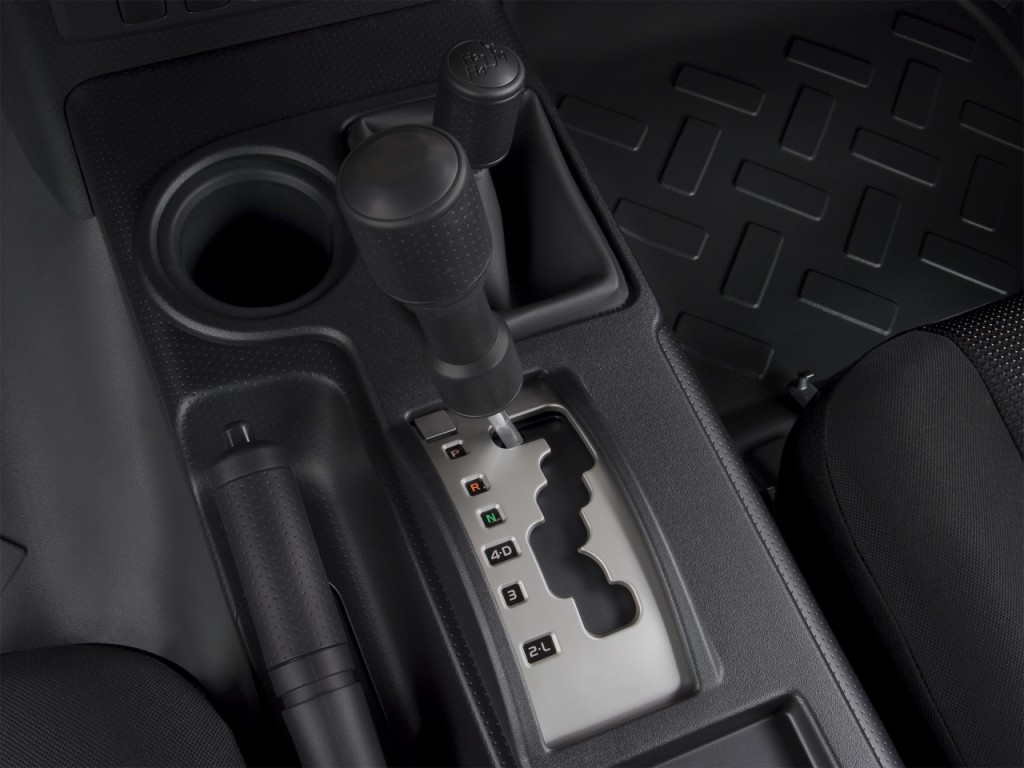 Image: 2008 Toyota FJ Cruiser 4WD 4-door Auto (Natl) Gear ...