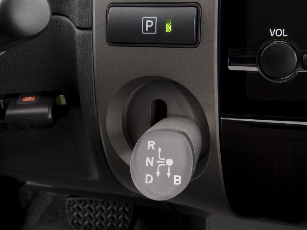 Image: 2008 Toyota Prius 5dr HB Base (Natl) Gear Shift ...