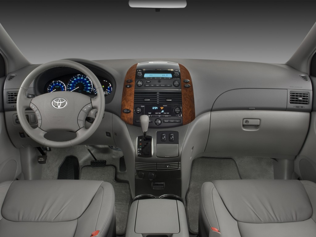 Image: 2008 Toyota Sienna 5dr 7-Pass Van XLE FWD (Natl ...
