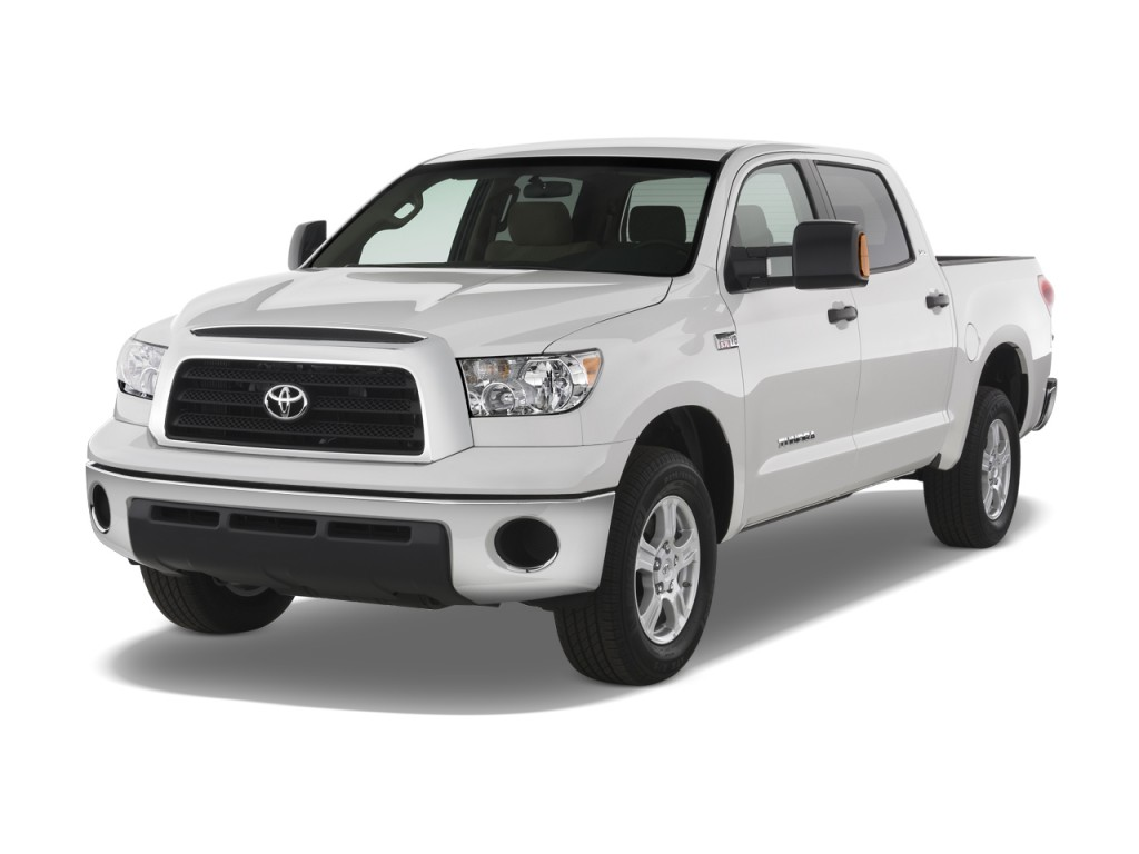 2008 Toyota Tundra CrewMax 5.7L V8 6-Spd AT SR5 (Natl) Angular Front Exterior View