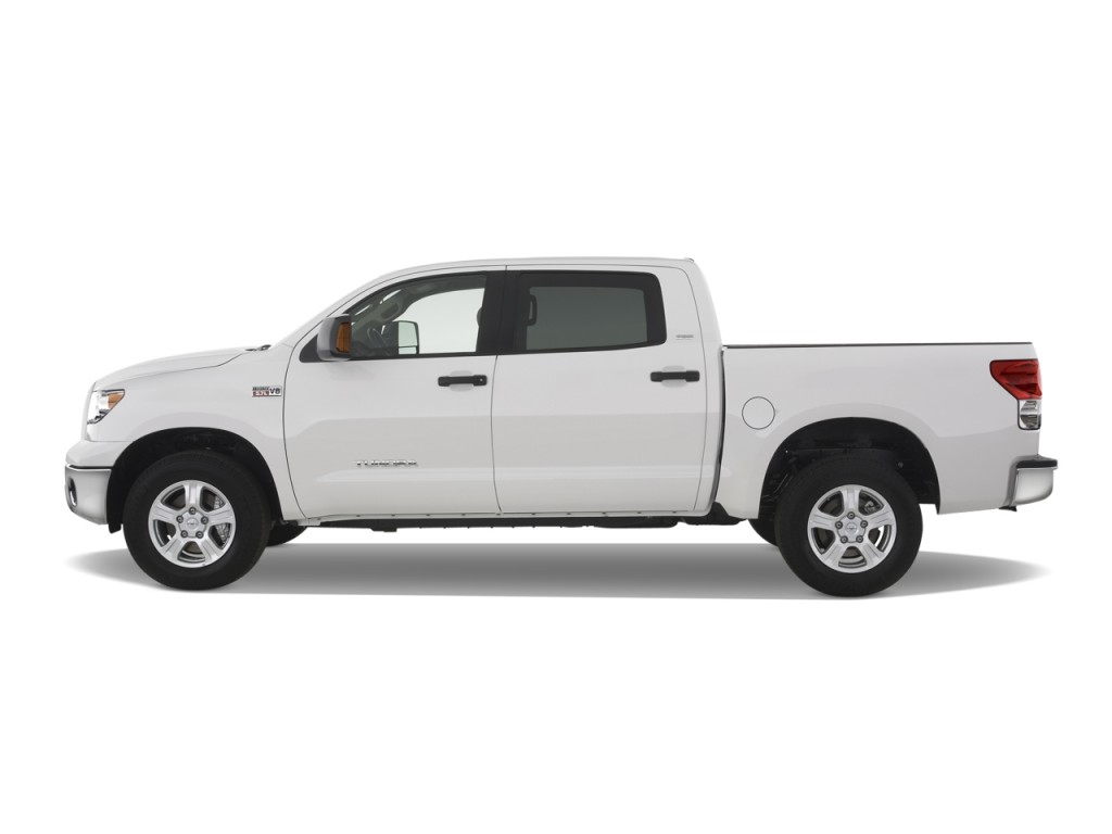 2008 Toyota Tundra CrewMax 5.7L V8 6-Spd AT SR5 (Natl) Side Exterior View