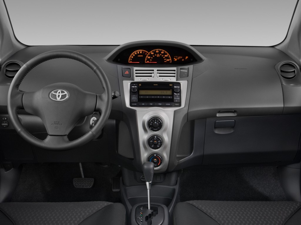image 2008 toyota yaris 3dr hb auto s natl dashboard. Black Bedroom Furniture Sets. Home Design Ideas