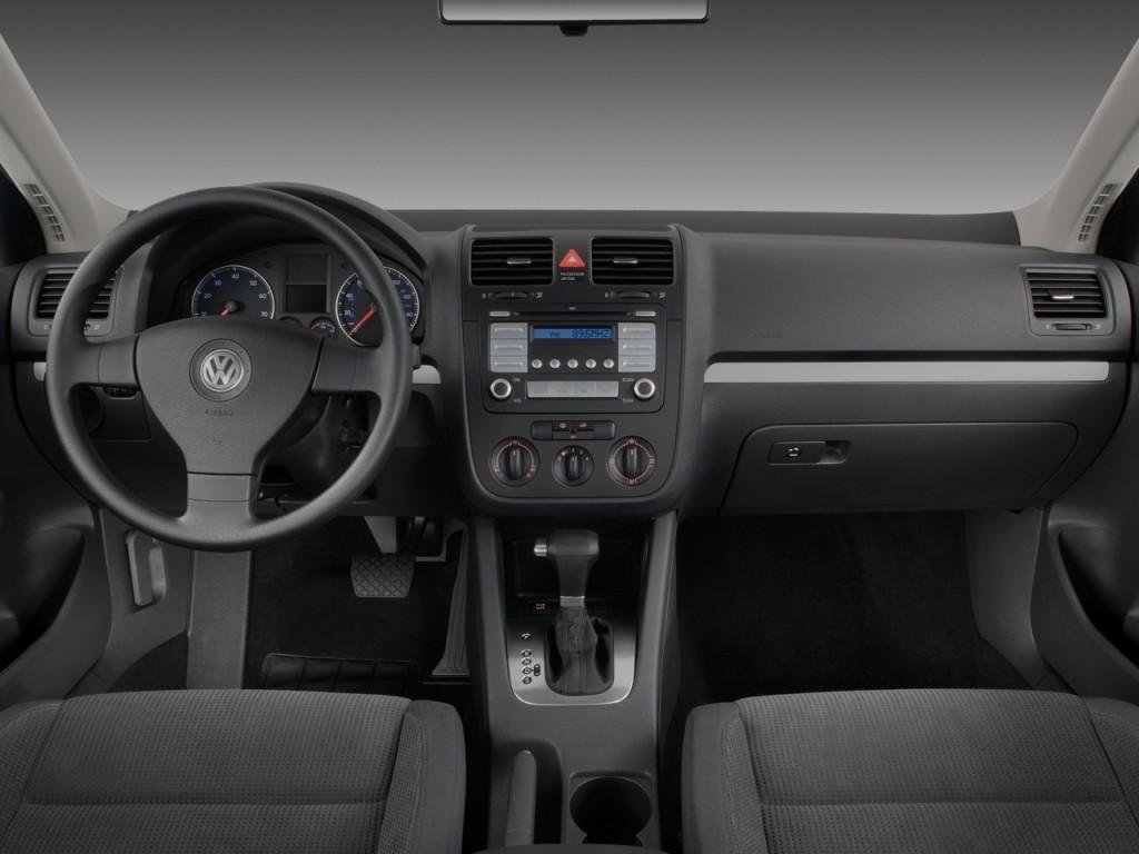 Volkswagen Jetta Sedan Door Auto S Pzev Dashboard L