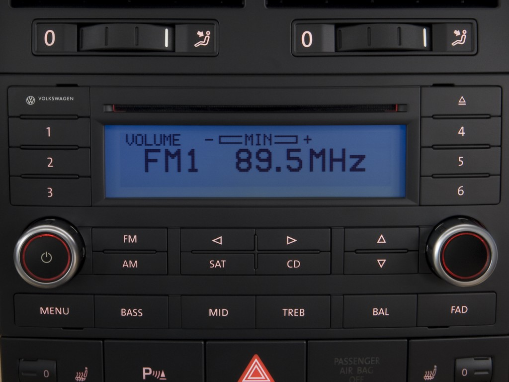 image  volkswagen touareg  door  audio system size    type gif posted