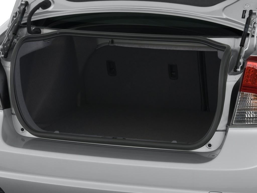 Image: 2008 Volvo S40 4-door Sedan 2.4L Man FWD Trunk ...
