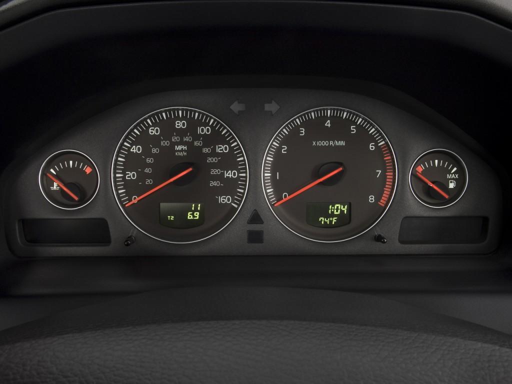 Image: 2008 Volvo S60 4-door Sedan 2.5T FWD Instrument ...