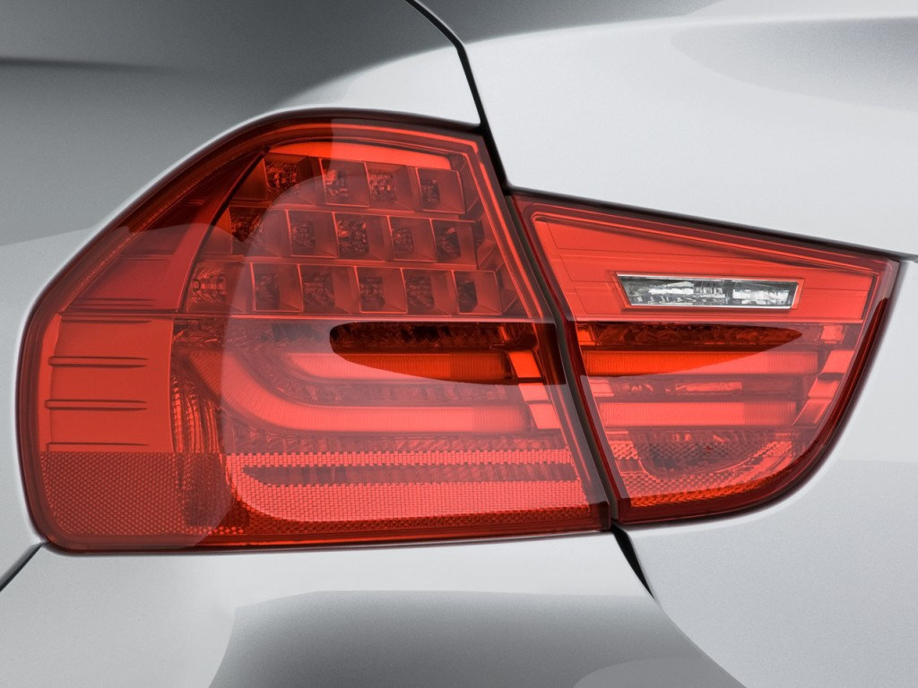 Image 2009 Bmw 3 Series 4 Door Sedan 328i Rwd Tail Light