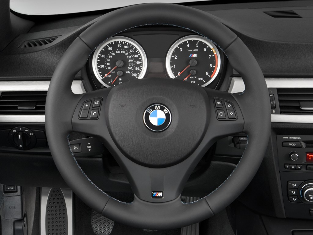 image 2009 bmw m3 2 door convertible steering wheel size. Black Bedroom Furniture Sets. Home Design Ideas