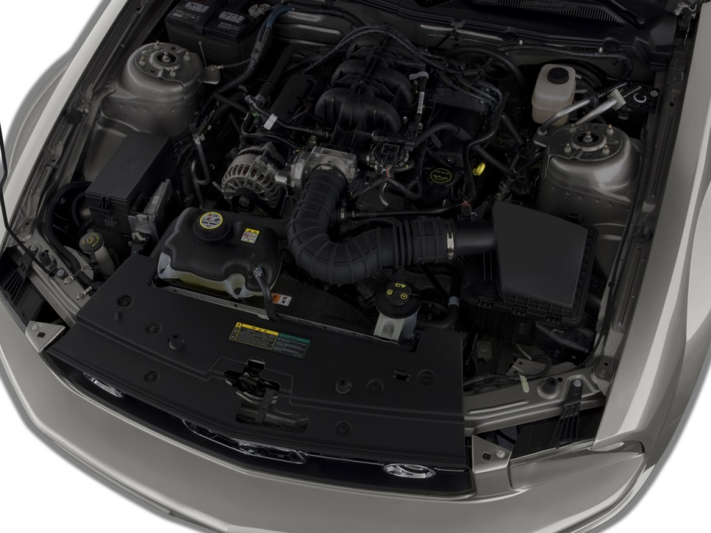 Image 2009 ford mustang 2 door coupe premium engine size for Ford mustang motor sizes