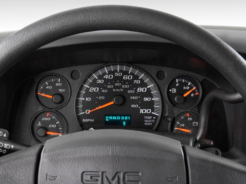 "Image: 2009 GMC Savana Passenger RWD 3500 135"" Instrument ..."