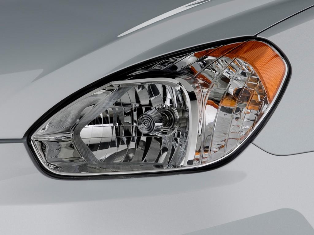 Image 2009 Hyundai Accent 4 Door Sedan Auto Gls Headlight
