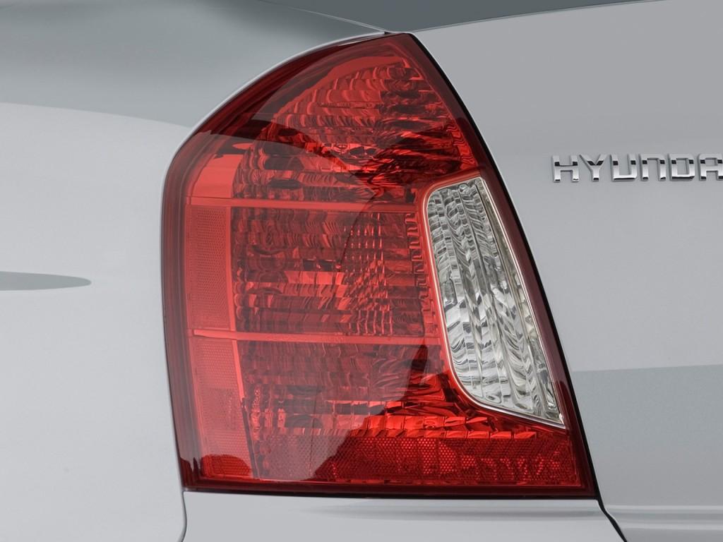 Image 2009 Hyundai Accent 4 Door Sedan Auto Gls Tail