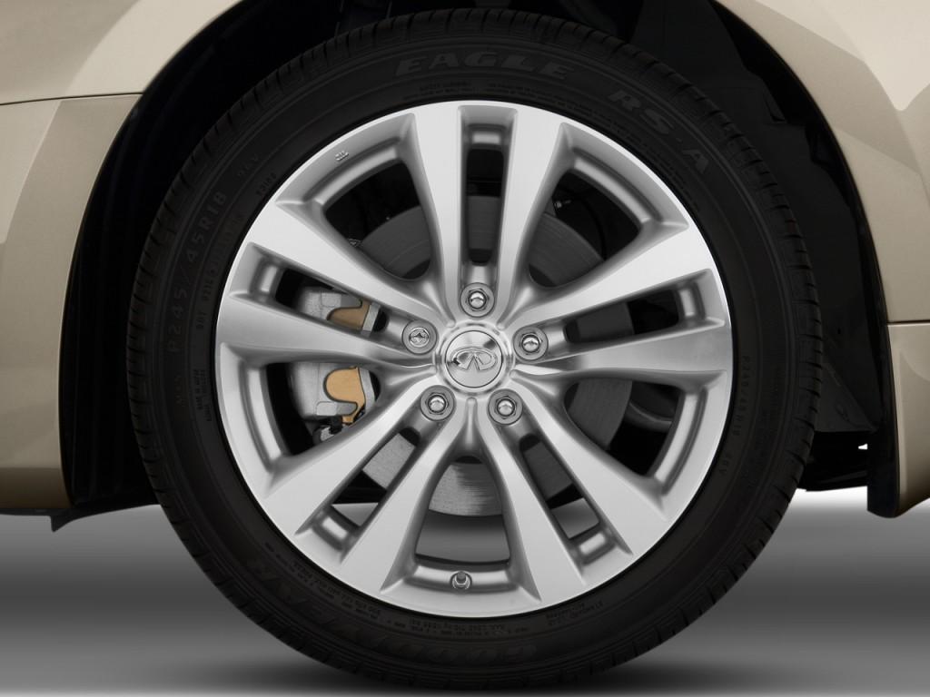 2009 Infiniti M35 4-door Sedan RWD Wheel Cap