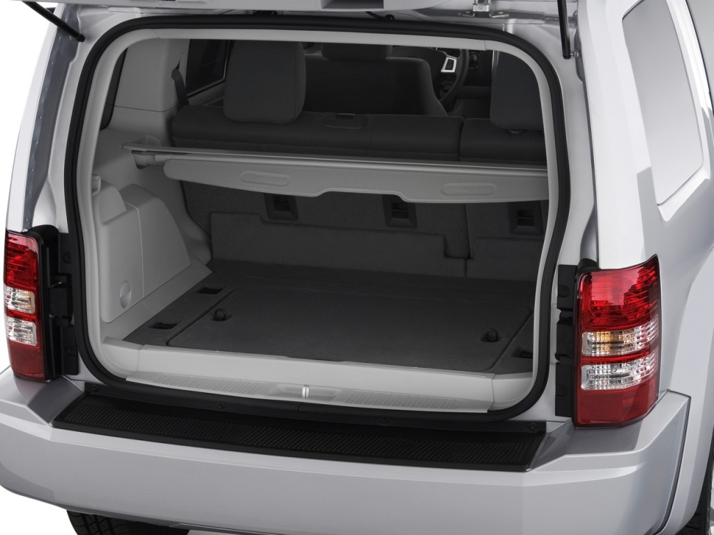 image 2009 jeep liberty rwd 4 door limited trunk size. Black Bedroom Furniture Sets. Home Design Ideas