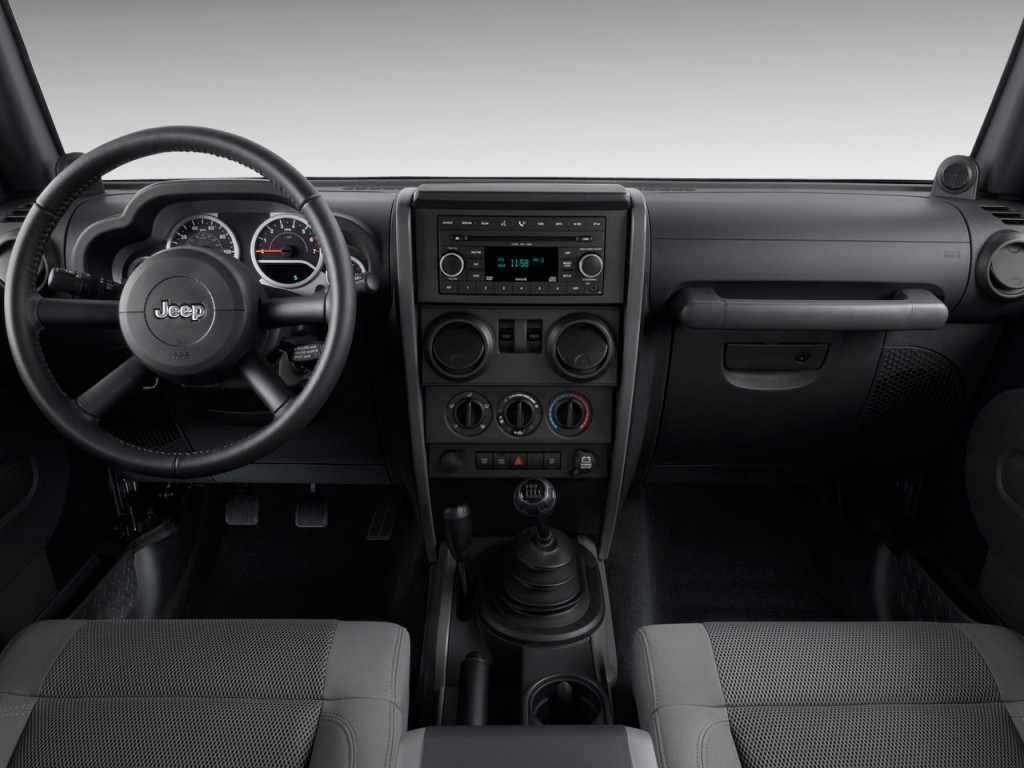 Image: 2009 Jeep Wrangler 4WD 2-door Rubicon Dashboard ...