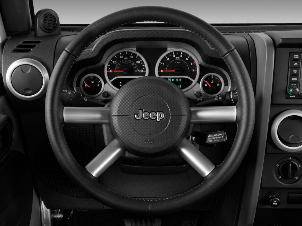 Image: 2009 Jeep Wrangler Unlimited RWD 4-door Sahara ...